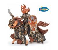Воин черного жука и его лошадь