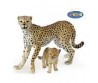 50044 Гепард с детенышем