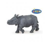 Детеныш индийского носорога